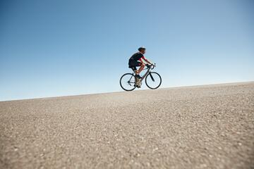 bike uphill.jpg